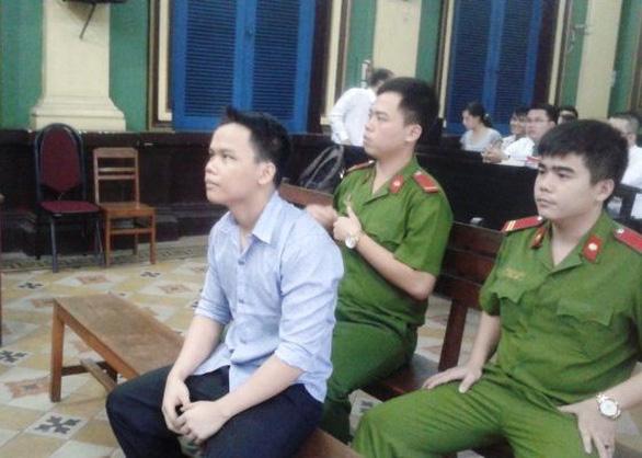 Truy nã tử tù mắc COVID-19 giết người, cướp tài sản ở TP.HCM - Ảnh 2.