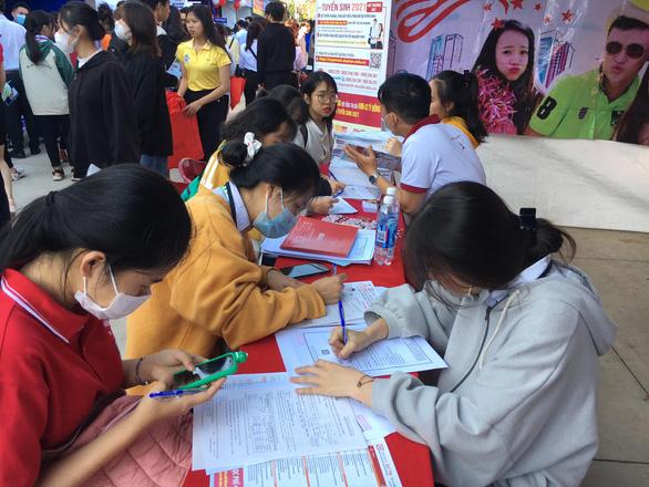 Đại học Duy Tân công bố điểm chuẩn trúng tuyển đại học 2021 - Ảnh 1.
