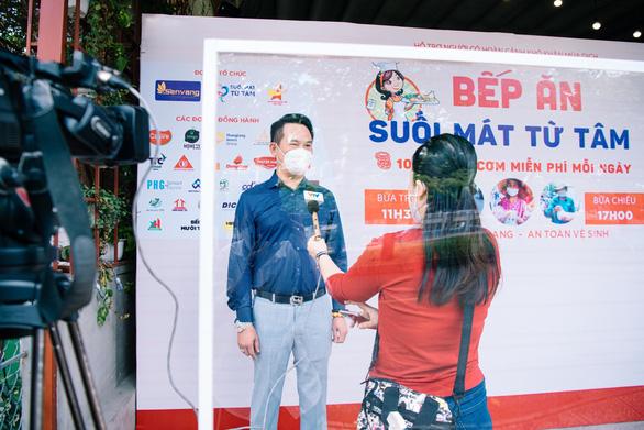 Hội Doanh Nhân Trẻ Việt Nam đóng góp gần 1 tỉ đồng phục vụ suất ăn cho tuyến đầu - Ảnh 1.