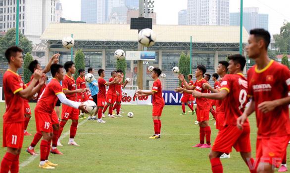 HLV Park Hang Seo căng mình với tuyển Việt Nam và tuyển U23 - Ảnh 2.