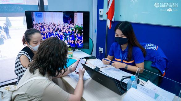 Sinh viên được nhiều hơn mất khi học trực tuyến theo phương pháp mới - Ảnh 2.