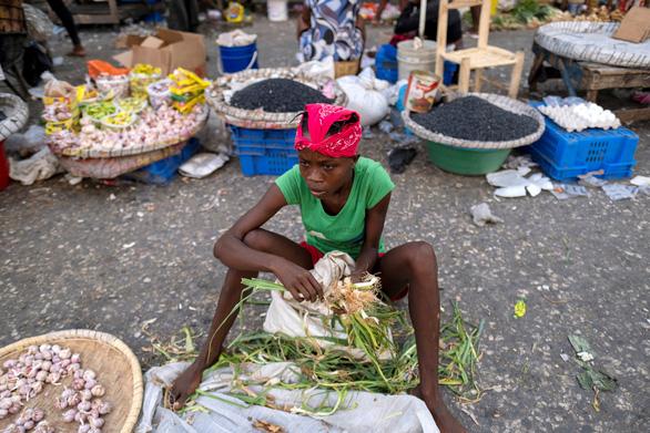 Biểu tình và bất ổn lan rộng tại Haiti sau vụ ám sát tổng thống - Ảnh 1.