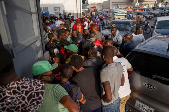 Biểu tình và bất ổn lan rộng tại Haiti sau vụ ám sát tổng thống - Ảnh 2.