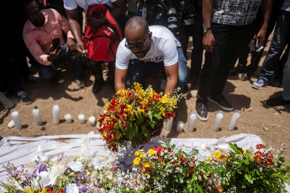 Biểu tình và bất ổn lan rộng tại Haiti sau vụ ám sát tổng thống - Ảnh 3.