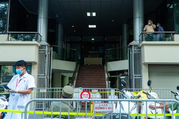 Nhân viên VietinBank ở Hà Nội mắc COVID-19 - Ảnh 1.