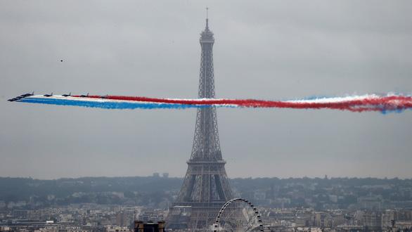 Đóng cửa dài nhất sau Thế chiến 2, tháp Eiffel của Pháp đã mở lại - Ảnh 1.