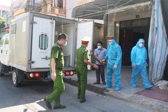 Khởi tố chủ nhà xe đưa khách từ vùng dịch về tạo nguy cơ lây lan dịch bệnh COVID-19 - Ảnh 2.