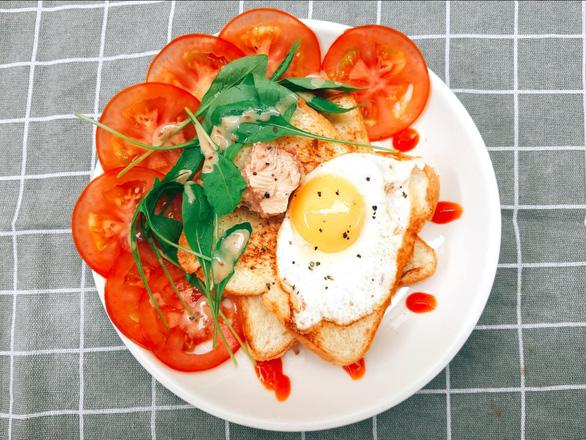 Bánh tằm, xôi hoa đậu, bánh kẹp - bữa sáng có gì ăn nấy mùa giãn cách - Ảnh 3.