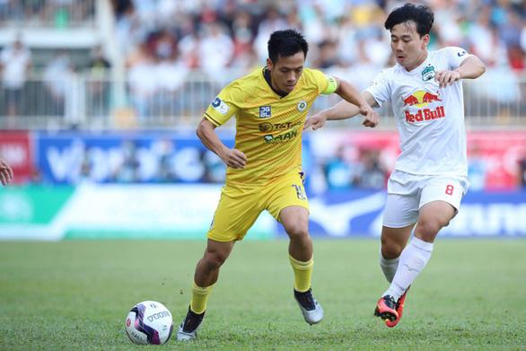 V-League 2021 bị lùi đến tháng 2-2022 - Ảnh 1.