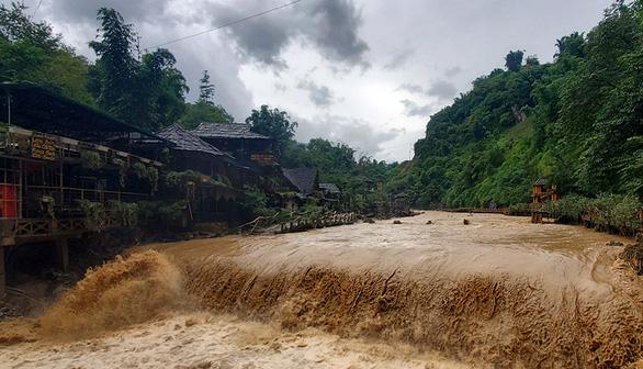 Xuất hiện vùng áp thấp trên Biển Đông, Bắc Bộ đón đợt mưa kéo dài 1 tuần - Ảnh 1.
