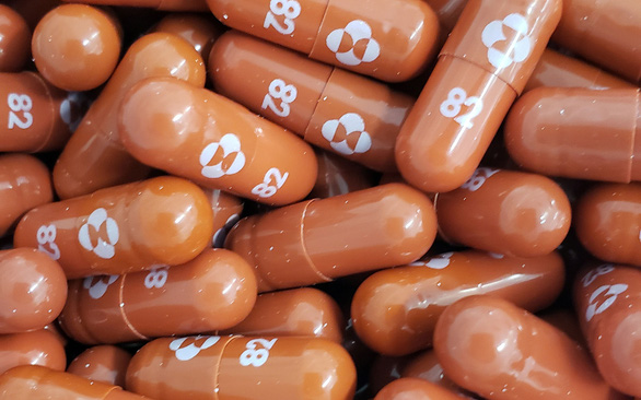 Các thuốc điều trị COVID-19 sẵn có và đang thử nghiệm, mang lại hy vọng - Ảnh 1.