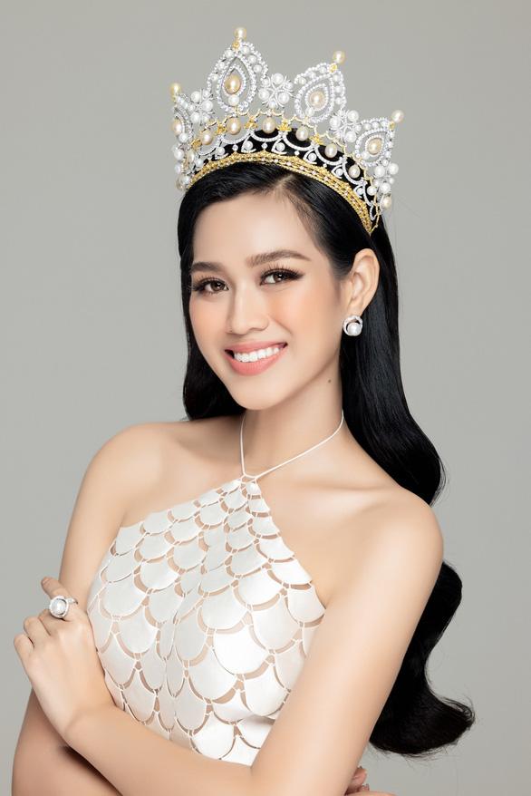 Lộ diện mẫu thiết kế đầm dạ hội của Đỗ Thị Hà tại Miss World 2021 - Ảnh 3.