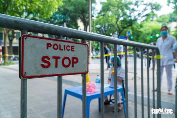 Phát hiện 10 chuỗi ca mắc trong cộng đồng, Đà Nẵng sẽ xét nghiệm hộ gia đình - Ảnh 2.