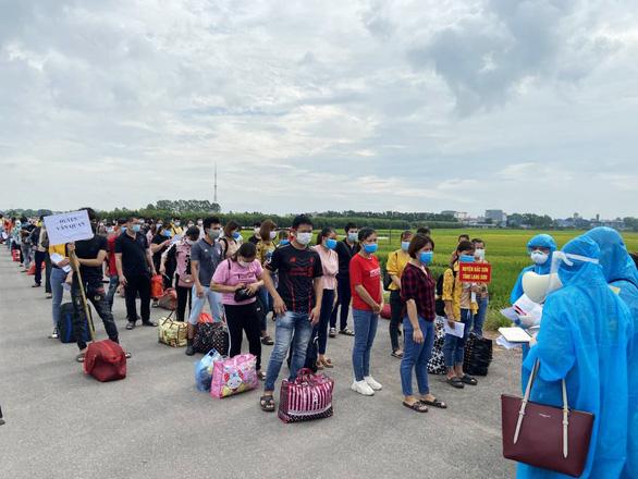 30.000 công nhân từ Bắc Giang về quê thế nào? - Ảnh 1.