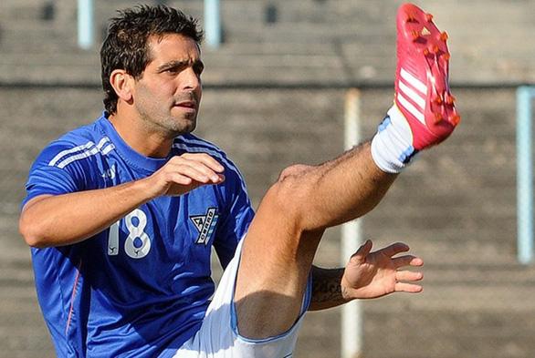Uruguay hoãn các trận đấu vì một cầu thủ tự sát - Ảnh 1.