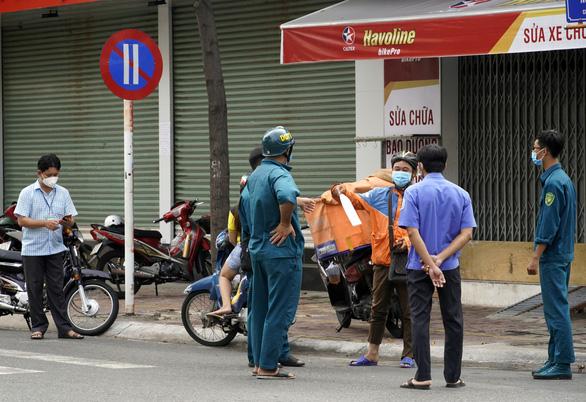 Nhiều doanh nghiệp Bà Rịa - Vũng Tàu đóng cửa vì quy định không đi xe hai bánh - Ảnh 3.