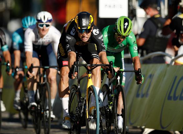 Tadej Pogacar đăng quang Tour de France 2021 - Ảnh 2.