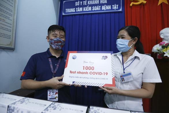 VBA chung tay chống dịch COVID-19 tại Khánh Hoà - Ảnh 1.