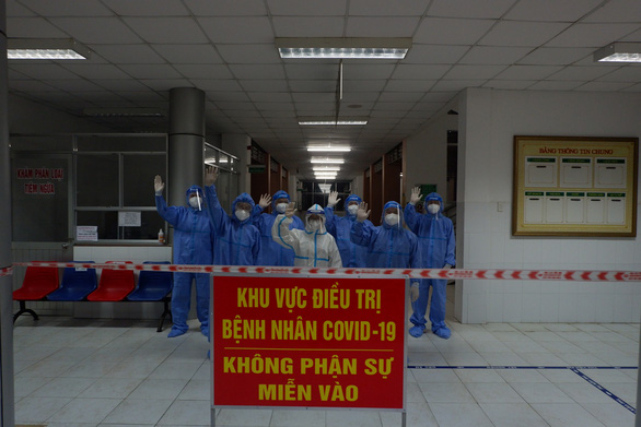 Miền Tây khẩn trương tăng cường bệnh viện dã chiến - Ảnh 1.