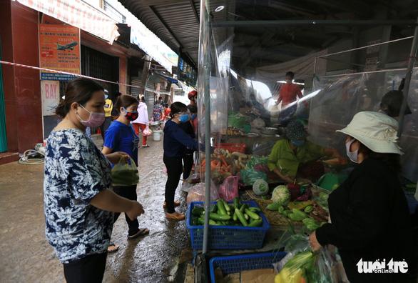 Bộ Công thương: Mở lại tất cả chợ truyền thống theo cách an toàn - Ảnh 1.