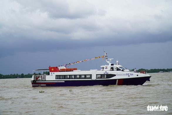 Hai tàu cao tốc cập bến miền Tây chở rau, củ lên TP.HCM - Ảnh 4.