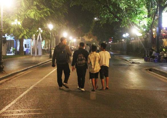 Trẻ đường phố mùa dịch - Kỳ cuối: Tình thương yêu giúp trẻ đường phố - Ảnh 2.