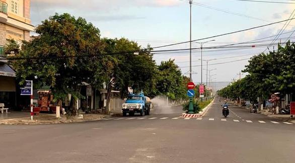Từ Phú Yên chạy xe máy về Quảng Ngãi bị phát hiện mắc COVID-19 tại chốt kiểm dịch - Ảnh 1.