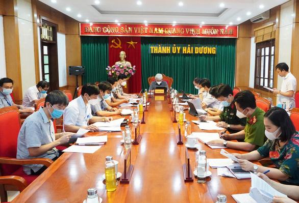 Hải Dương cho thôi chức danh 2 lãnh đạo phường để xảy ra vi phạm trong bầu cử - Ảnh 1.