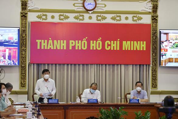 Thứ trưởng Nguyễn Trường Sơn: Sẽ phân bổ thêm cho TP.HCM 1 triệu liều vắc xin COVID-19 - Ảnh 1.