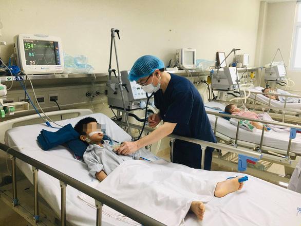 Nhiều trẻ nhập viện vì viêm não Nhật Bản, 70% để lại di chứng nặng nề - Ảnh 1.