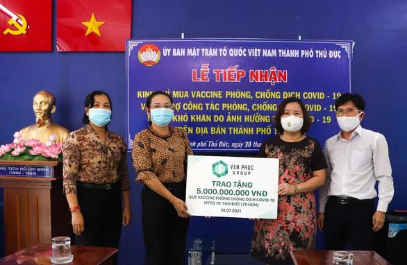 Van Phuc Group ủng hộ 5 tỉ đồng Quỹ vắc xin COVID-19 - Ảnh 1.