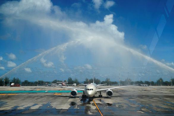 Phuket mở cửa, hàng trăm du khách đến ngay ngày đầu tiên - Ảnh 5.