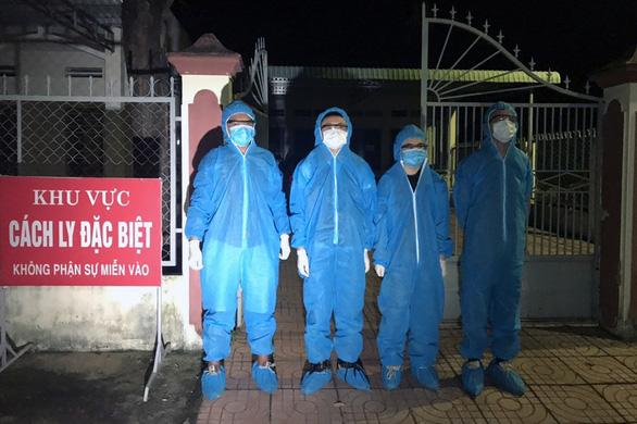Dân báo công an, tạm giữ 4 người Trung Quốc nhập cảnh trái phép - Ảnh 1.