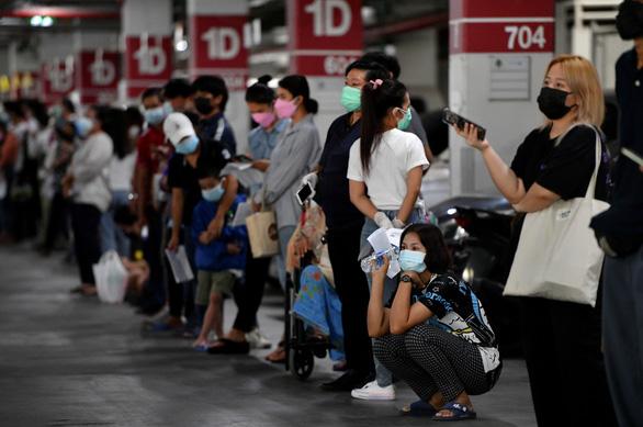 Thái Lan tìm mua vắc xin COVID-19 thế hệ mới để chống biến thể Delta - Ảnh 1.