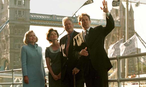 Ông Bill Clinton từng từ chối tiệc trà với nữ hoàng Anh để... đi shopping như khách du lịch - Ảnh 1.
