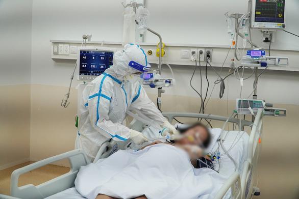 Chiến lược đánh chặn từ xa, hạn chế bệnh nhân COVID-19 nguy kịch chuyển viện trễ - Ảnh 1.