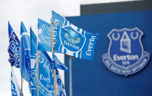 Cầu thủ Everton bị bắt vì nghi án xâm hại tình dục trẻ em - Ảnh 1.