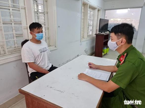 Bắt 2 người Trung Quốc rủ nhau vô nhà đồng hương trộm két sắt lấy hơn 3 tỉ đồng - Ảnh 1.