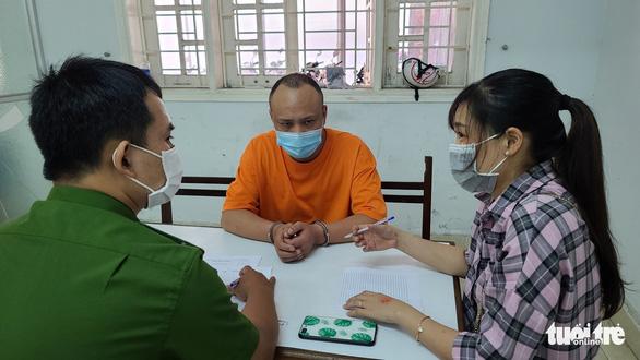 Bắt 2 người Trung Quốc rủ nhau vô nhà đồng hương trộm két sắt lấy hơn 3 tỉ đồng - Ảnh 2.