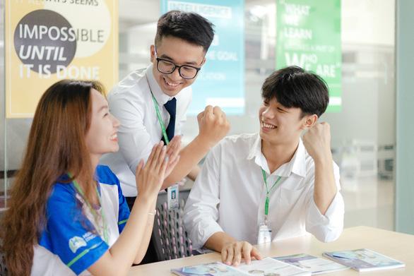 ĐH Văn Hiến hỗ trợ đến 50% học phí cho tân sinh viên mùa dịch - Ảnh 1.