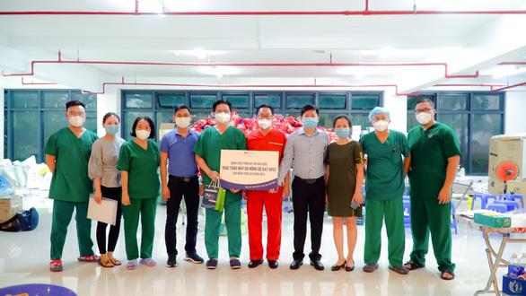 Bệnh viện JW tiếp sức chống dịch với hàng trăm thiết bị y tế - Ảnh 5.