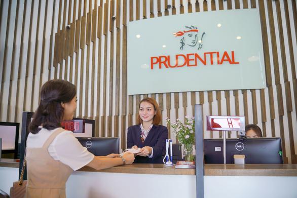 Prudential trở thành công ty bảo hiểm nhân thọ nước ngoài dẫn đầu uy tín năm 2021 - Ảnh 1.