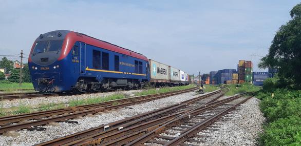 Đoàn tàu hỏa chở container đầu tiên chạy thẳng từ Hà Nội đến Bỉ - Ảnh 2.