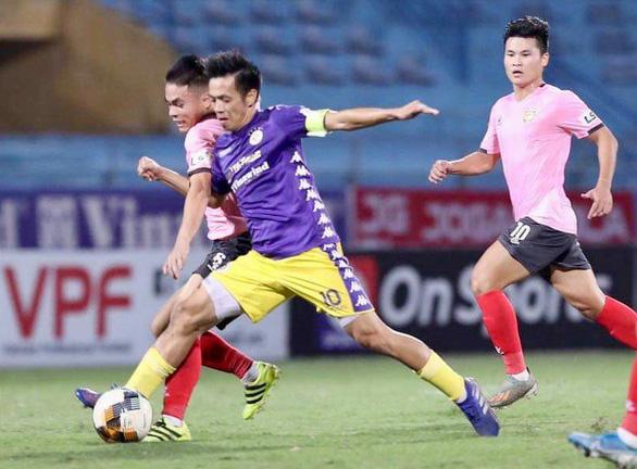 V-League 2021 chưa chốt ngày trở lại, CLB Hà Nội dừng tập luyện - Ảnh 1.