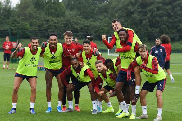 Nhiều cầu thủ mắc COVID-19, Arsenal hủy tour du đấu tại Mỹ - Ảnh 1.