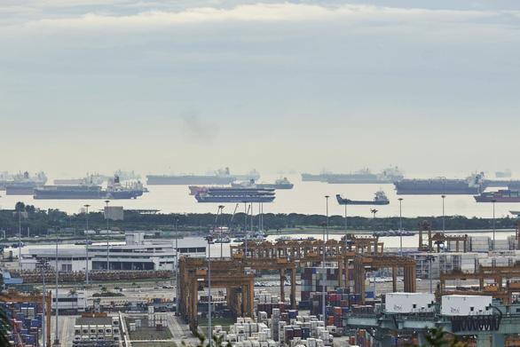 Trung Quốc muốn vượt Singapore trong thị trường nhiên liệu hàng hải châu Á - Ảnh 1.