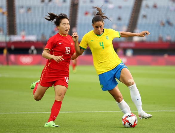 Bóng đá nữ Olympic Tokyo: Mỹ nhận thất bại sốc, Trung Quốc thua đậm - Ảnh 2.