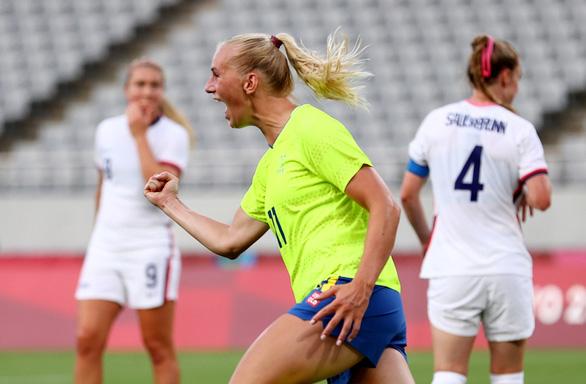 Bóng đá nữ Olympic Tokyo: Mỹ nhận thất bại sốc, Trung Quốc thua đậm - Ảnh 1.