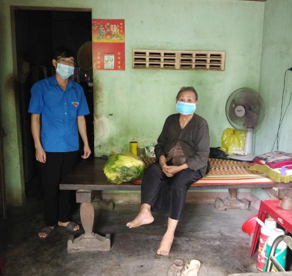 Lâm Đồng tặng Phú Yên 30 tấn rau quả giúp dân vùng phong tỏa dịch COVID-19 - Ảnh 4.