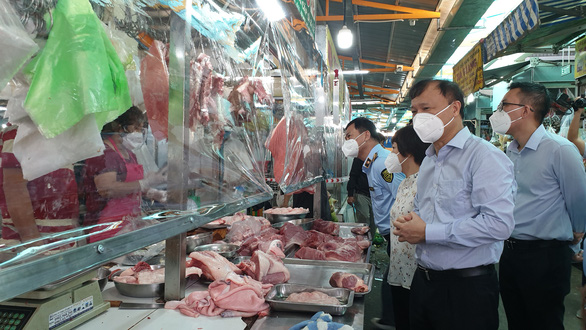 Bộ Công thương đề nghị TP.HCM nghiên cứu sớm mở thêm chợ truyền thống - Ảnh 2.